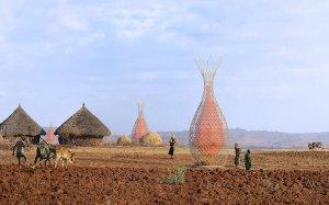 La révolution du low cost avec les paniers géants Warka Water